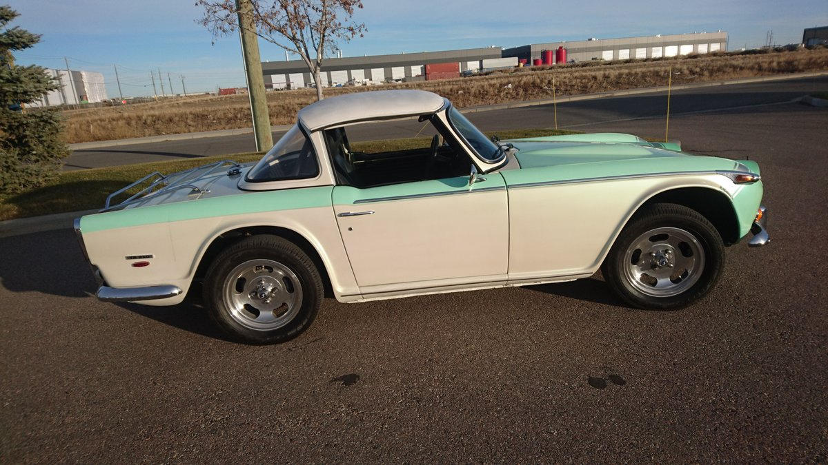 1968 Triumph tr250 Total body-off restoration. For Sale (picture 2 of 6)