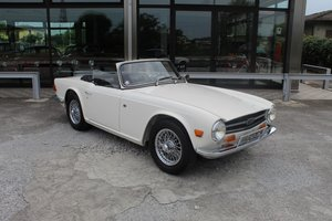 1969 Triumph tr6 pi injection - overdrive - wire rims For Sale