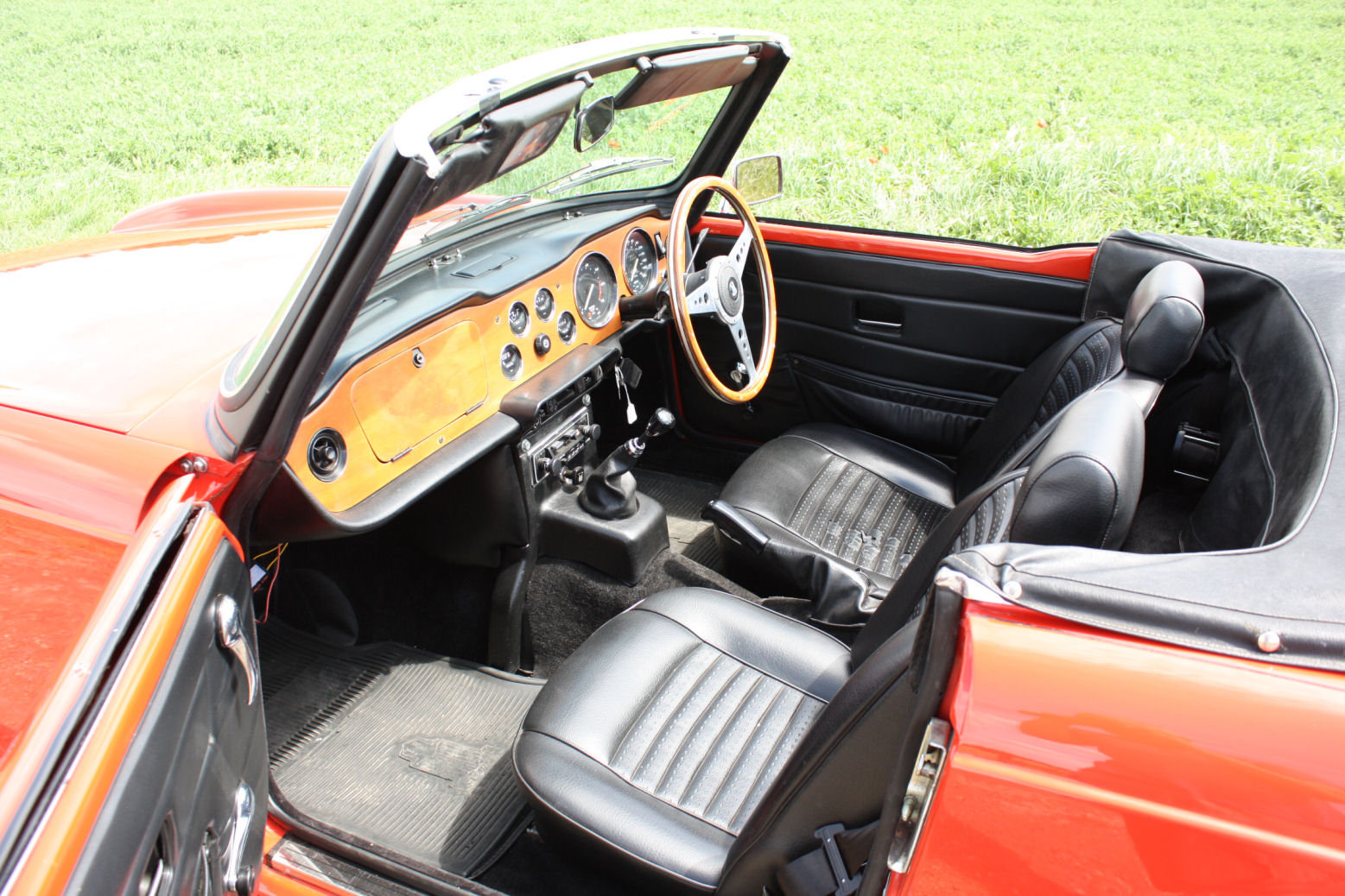 1973 1974 TRIUMPH TR6 GENUINE UK RHD CAR WITH OVERDRIVE SOLD (picture 4 of 6)