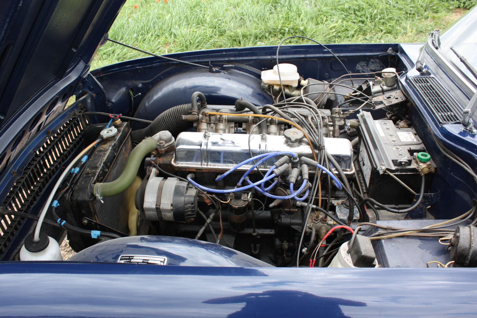 1972 TRIUMPH TR6 ORIGINAL 150BHP UK CAR IN BLUE SOLD (picture 3 of 6)