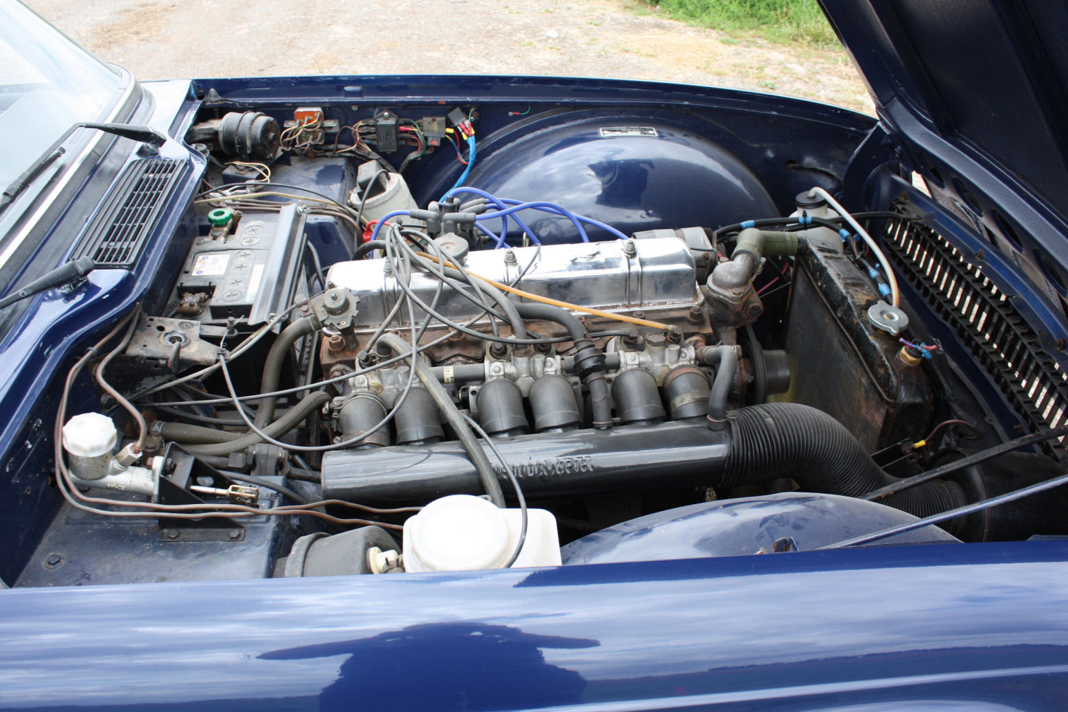 1972 TRIUMPH TR6 ORIGINAL 150BHP UK CAR IN BLUE SOLD (picture 4 of 6)