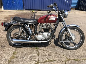1977 Triumph Bonneville 750cc T140v - Oil in Frame - Project
