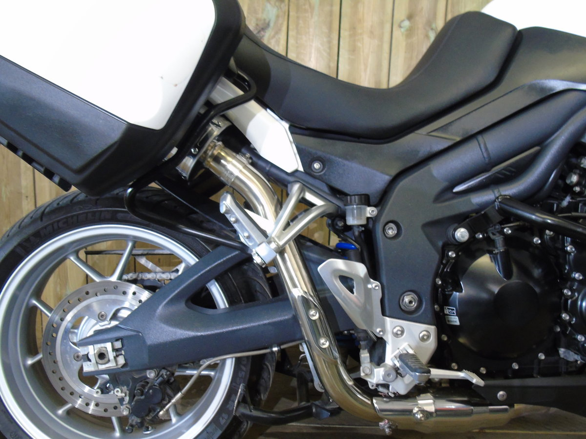 2011 Triumph Tiger 1050 Full Triumph Luggage Only 11000 Miles For Sale (picture 4 of 6)