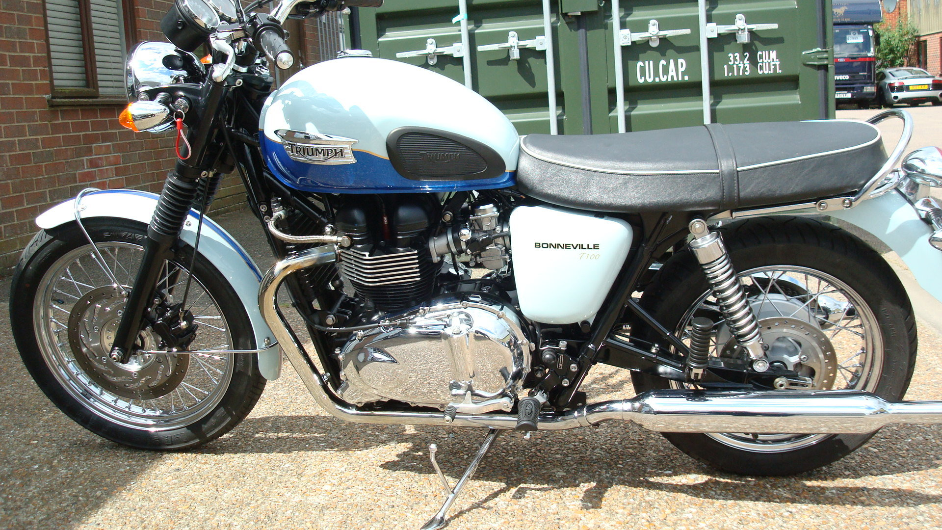 Triumph BONNEVILLE T100 SIXTY 1960 2010-10 **LOW MILES** SOLD (picture 6 of 6)