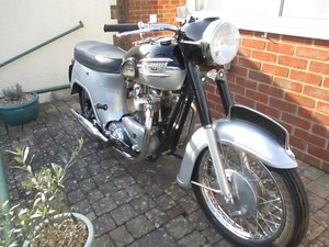 1961 Triumph Thunderbird Bathtub