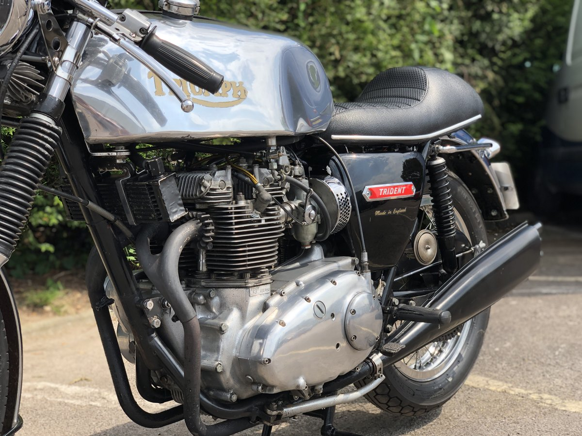 Awesome 1975 Triumph Trident T150 750cc Cafe Racer!!! For Sale (picture 3 of 6)