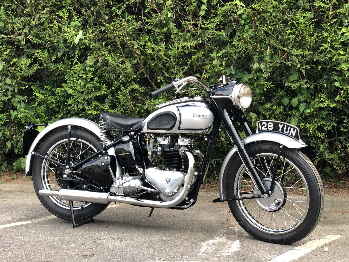 1949 Triumph T100 500cc Stunning Condition!! SOLD (picture 1 of 6)