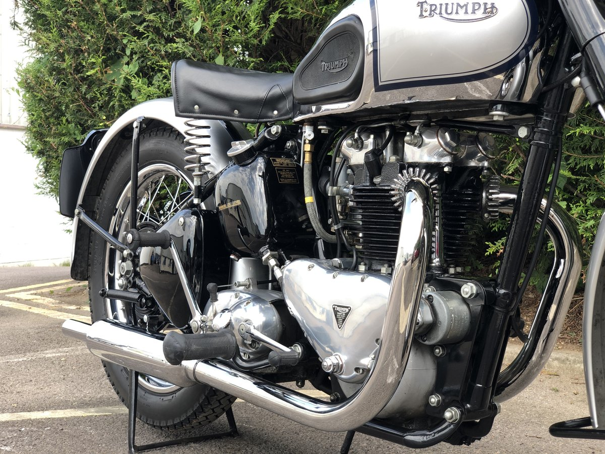 1949 Triumph T100 500cc Stunning Condition!! SOLD (picture 3 of 6)