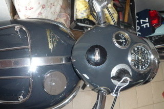 1960 Triumph Thunderbird 6T bath tub For Sale (picture 3 of 6)