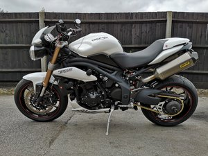 2014 Triumph Speed Triple 1050 ABS Crystal White  For Sale