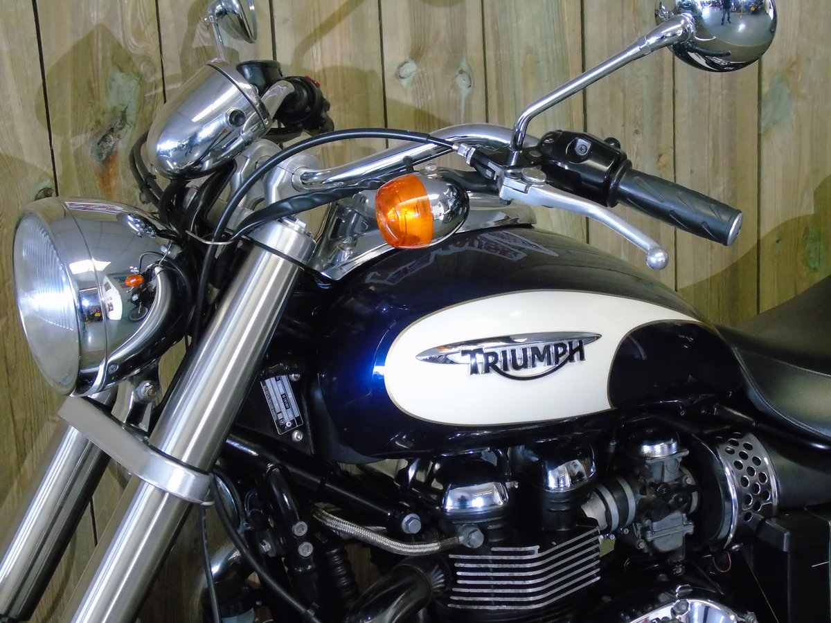 2011 Triumph Bonneville America Only 1100 Miles Service History For Sale (picture 3 of 6)