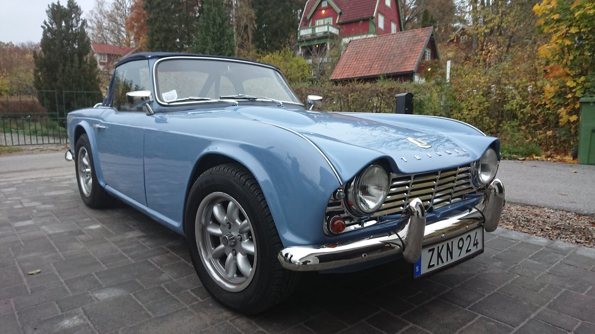 1964 Show winning TR4 restored & in superb condition! SOLD (picture 1 of 6)