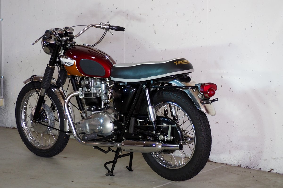 Fully Restored 1967 Triumph T120R Bonneville For Sale (picture 4 of 6)