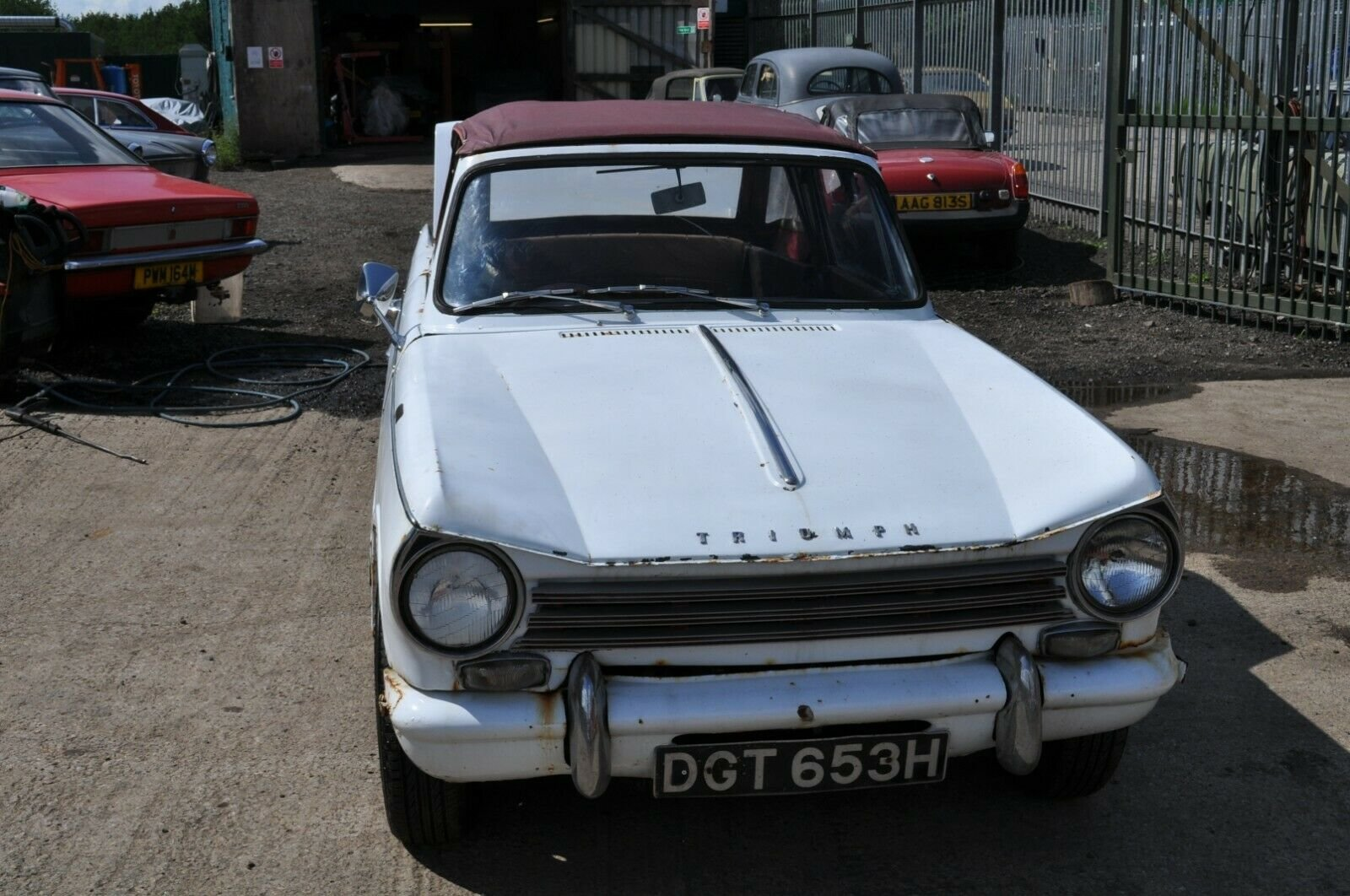 1963 1970 TRIUMPH HERALD CONVERTIBLE 13/60 CLASSIC CAR PROJECT  SOLD (picture 1 of 6)