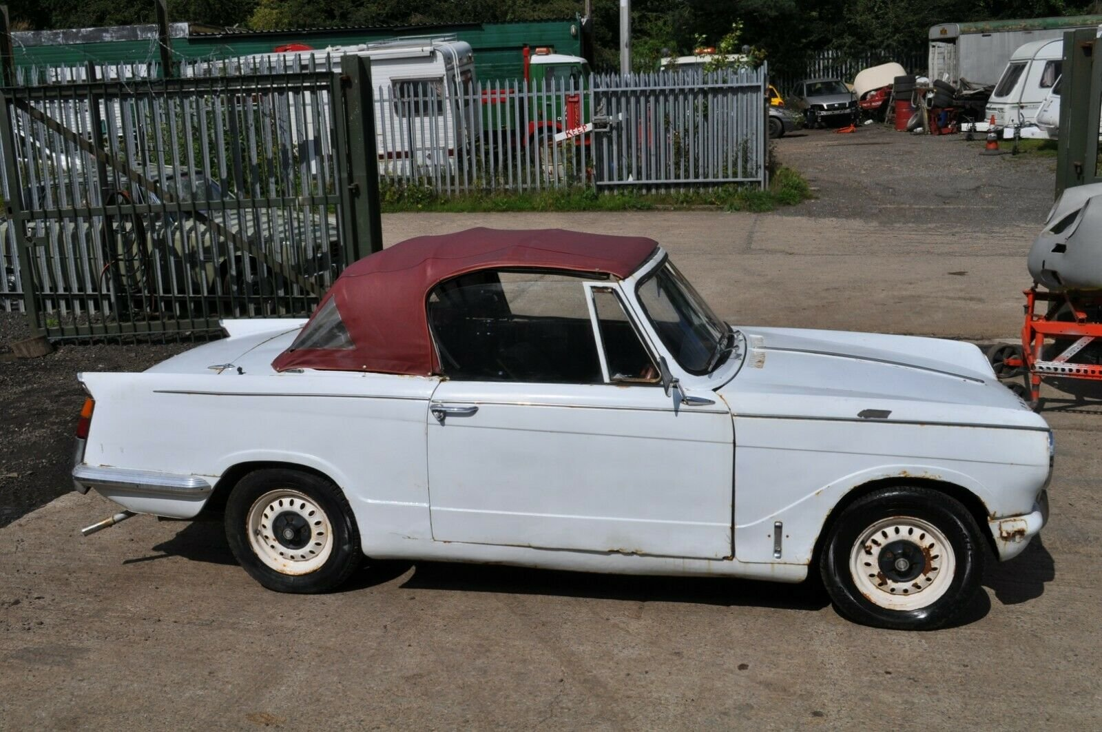 1963 1970 TRIUMPH HERALD CONVERTIBLE 13/60 CLASSIC CAR PROJECT  SOLD (picture 2 of 6)