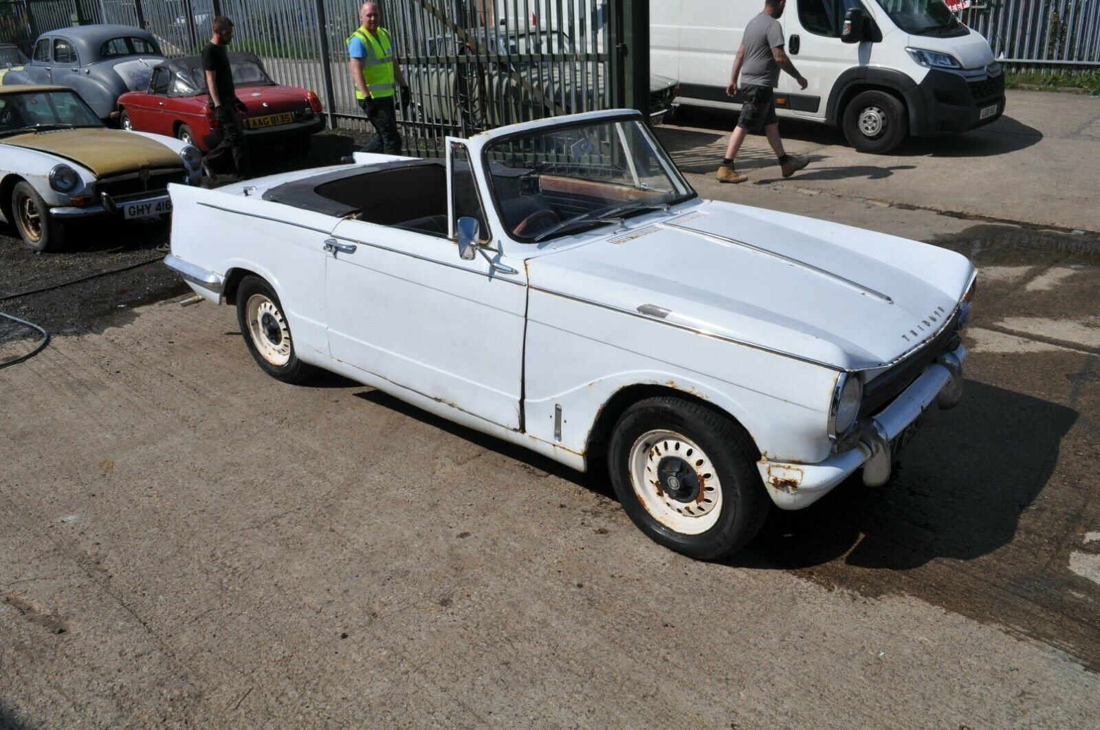 1963 1970 TRIUMPH HERALD CONVERTIBLE 13/60 CLASSIC CAR PROJECT  SOLD (picture 3 of 6)