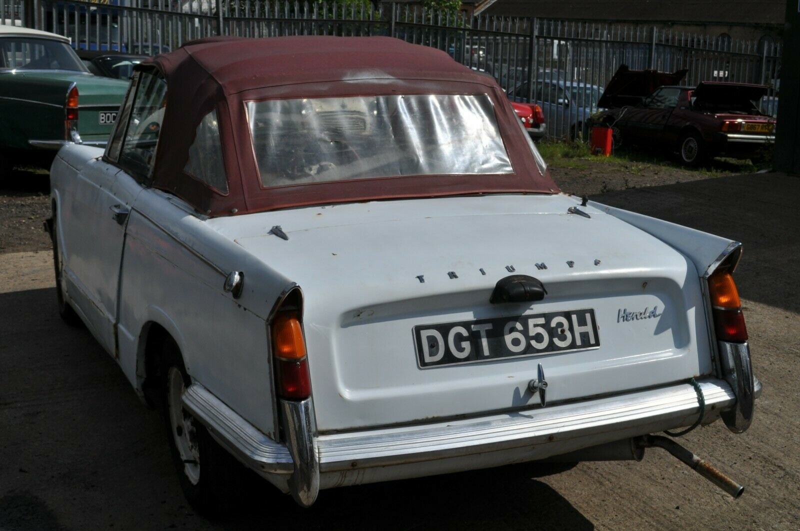 1963 1970 TRIUMPH HERALD CONVERTIBLE 13/60 CLASSIC CAR PROJECT  SOLD (picture 4 of 6)