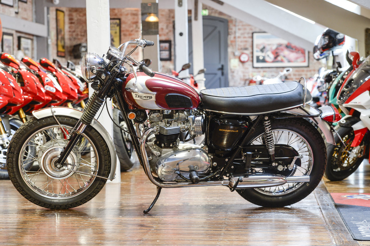 Triumph Bonneville T120R Beautifully Restored 1969 example For Sale (picture 6 of 6)