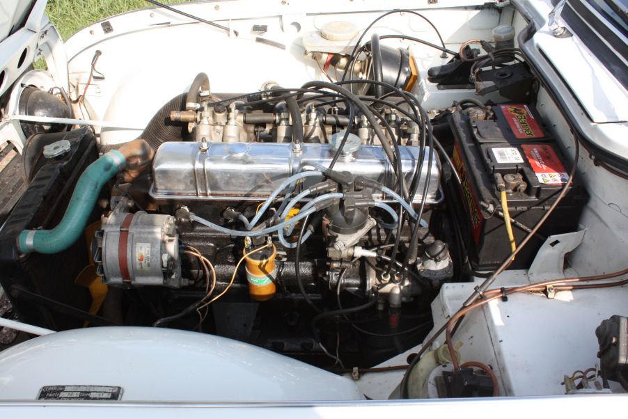 1968 TRIUMPH TR5 GENUINE UK RHD IN WHITE SOLD (picture 3 of 6)
