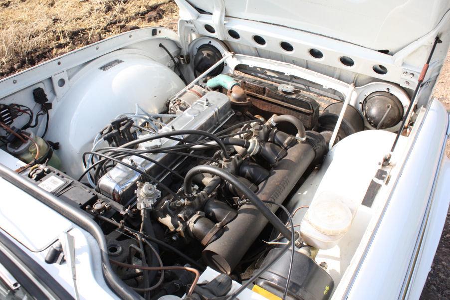 1968 TRIUMPH TR5 GENUINE UK RHD IN WHITE SOLD (picture 4 of 6)