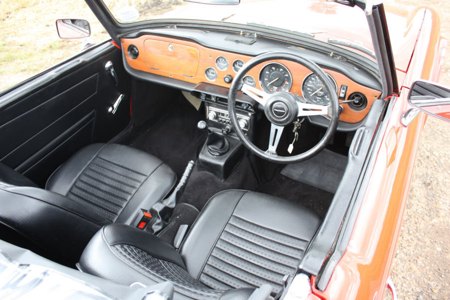 1973 TRIUMPH TR6 ORIGINAL UK FUEL INJECTED RHD CAR WITH OVER For Sale (picture 2 of 6)
