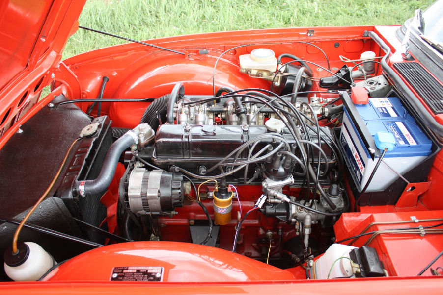 1973 TRIUMPH TR6 ORIGINAL UK FUEL INJECTED RHD CAR WITH OVER For Sale (picture 4 of 6)