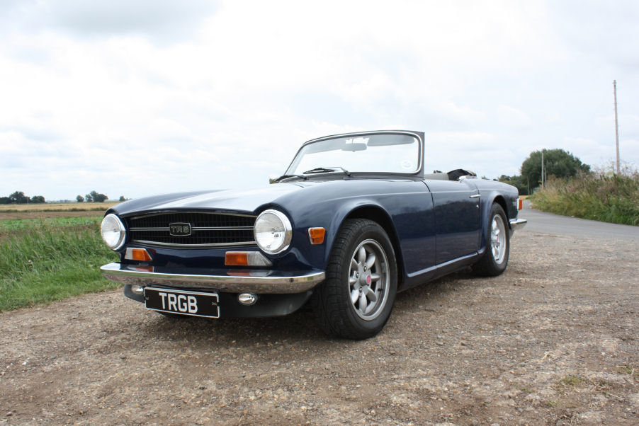 1974 TRIUMPH TR6 GENUINE UK RHD CAR WITH OVERDRIVE BLUE SOLD (picture 1 of 6)