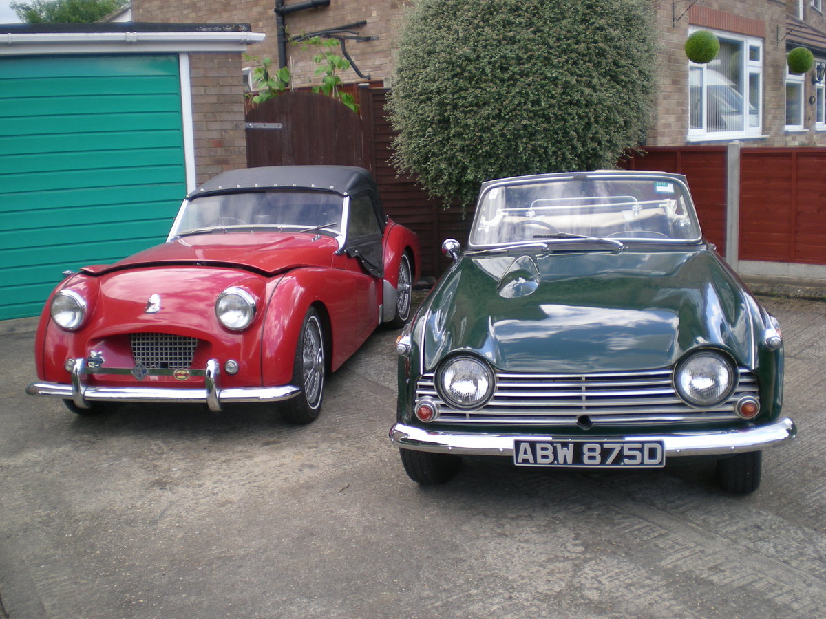 1966 Triumph TR4A IRS with overdrive. For Sale (picture 2 of 6)