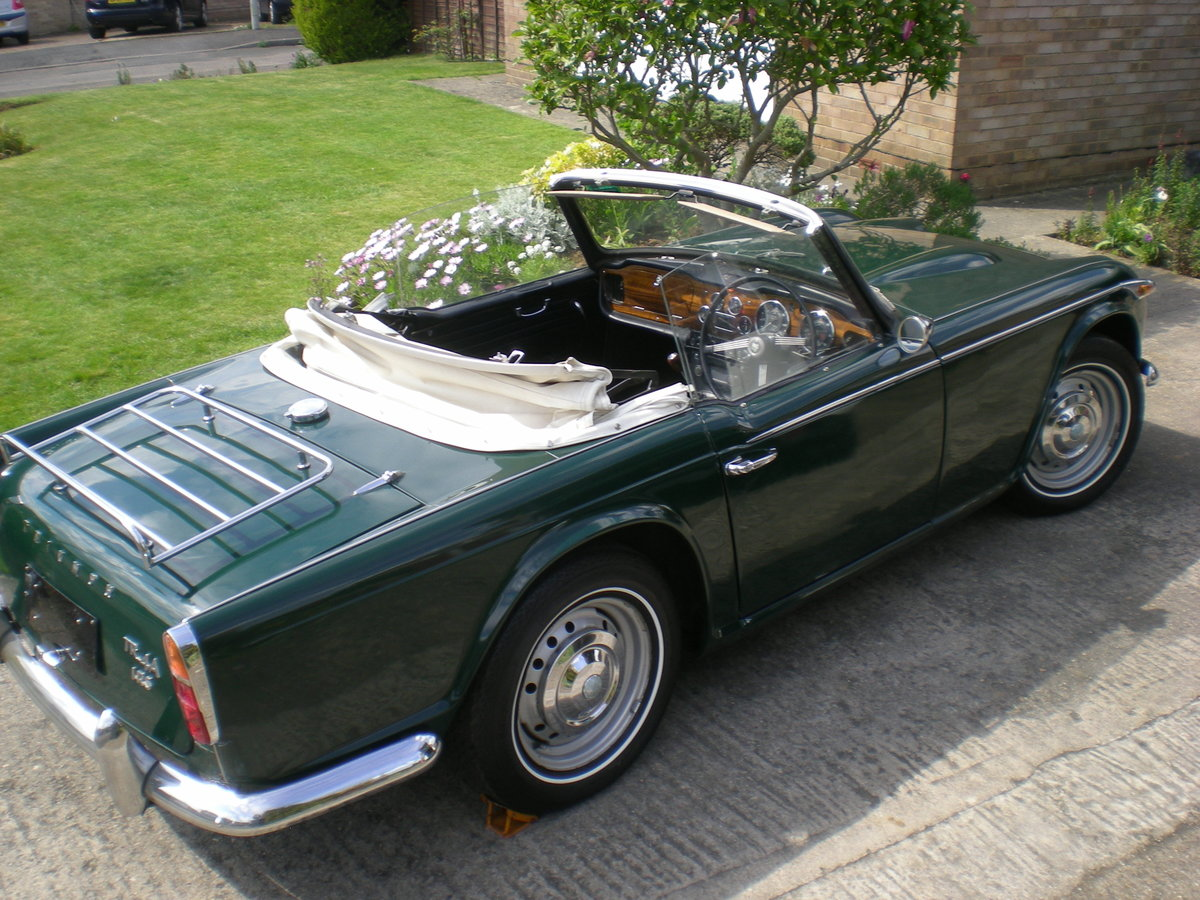 1966 Triumph TR4A IRS with overdrive. For Sale (picture 4 of 6)
