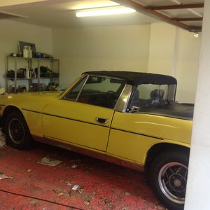 1973 Mimosa Yellow Triumph Stag. Good condition.