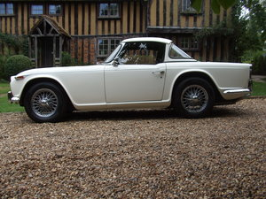 1966 TR4A UK RHD CHROME WIRES OVERDRIVE LAST OWNER 34 YEARS For Sale
