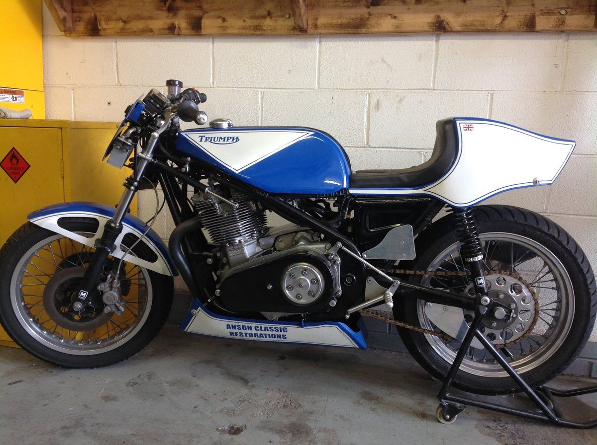1972 ROB NORTH TRIUMPH TRIPLE Racing - 930cc Richard Pecket Built For Sale (picture 1 of 5)