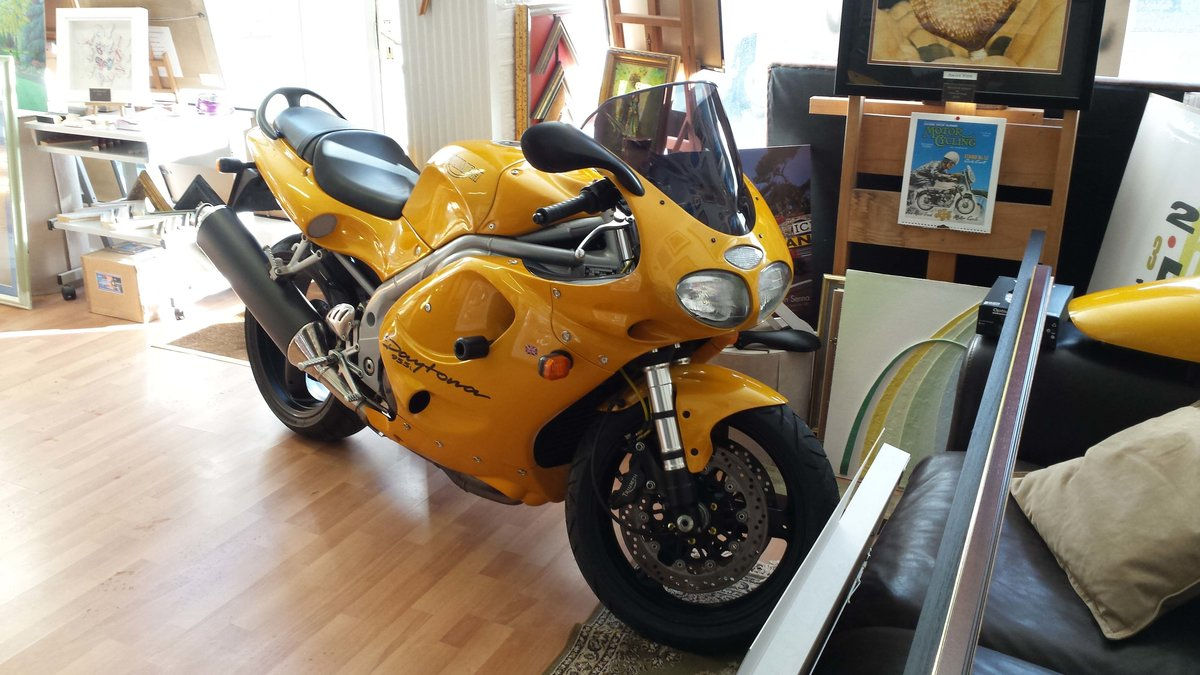 1999 Triumph daytona 955i 14000 miles only SOLD (picture 6 of 6)
