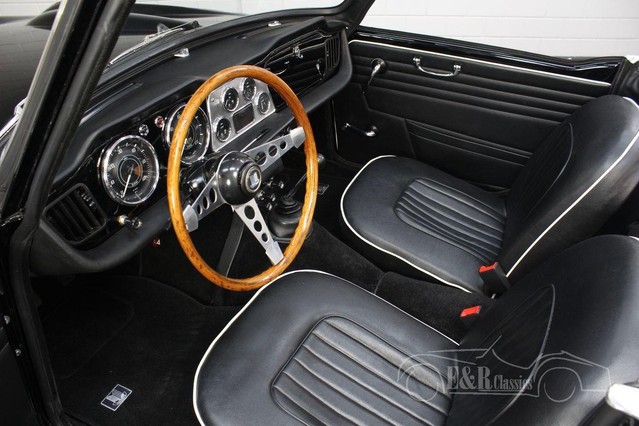 Triumph TR4 Overdrive 1963 Restored For Sale (picture 3 of 6)