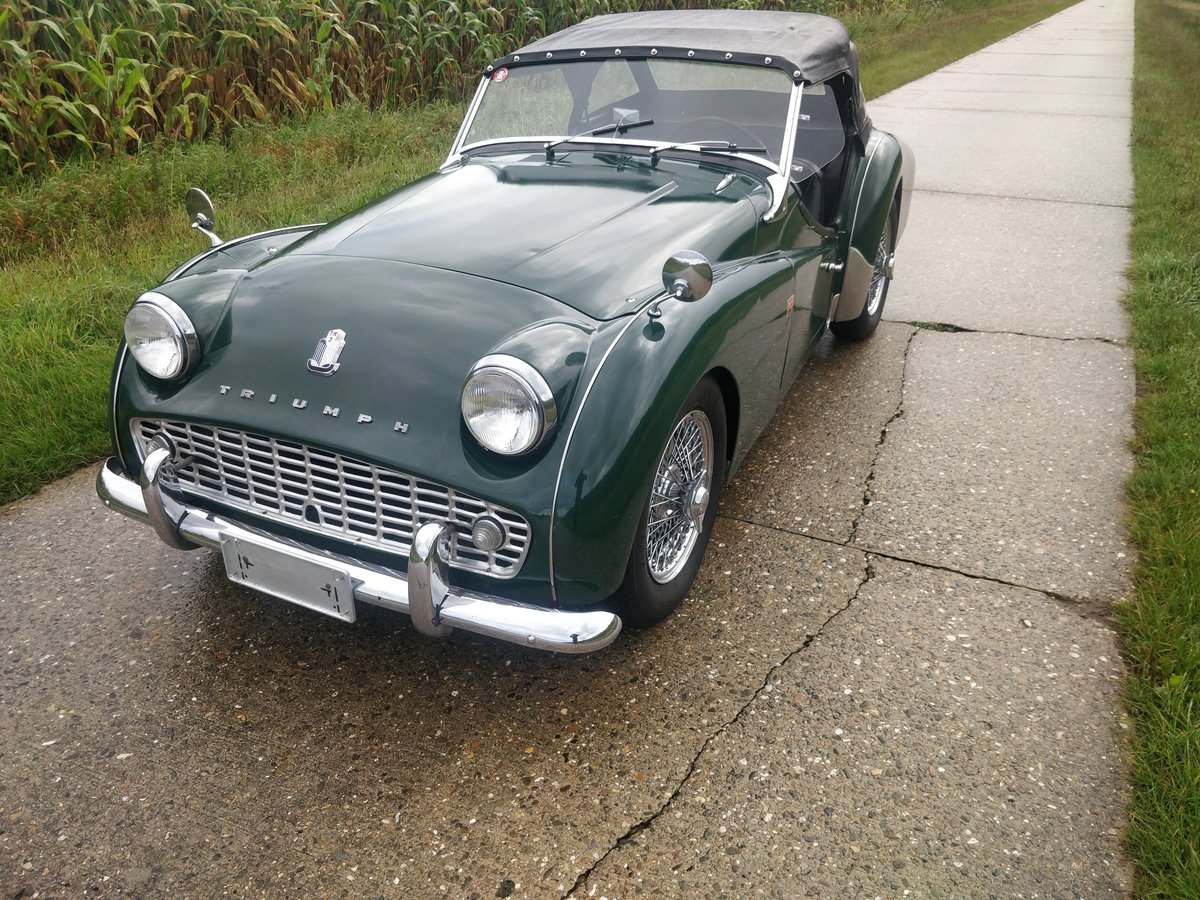 1962 Triumph TR3A '62 BRG SOLD (picture 2 of 6)