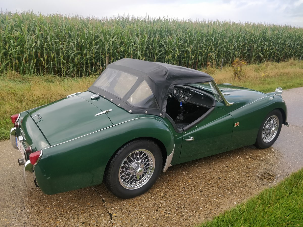 1962 Triumph TR3A '62 BRG SOLD (picture 4 of 6)