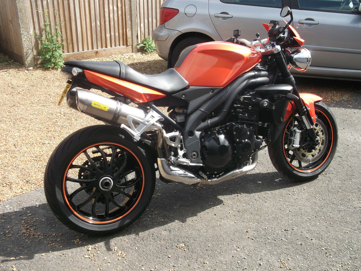 2010 Triumph 1050 Speed Triple For Sale (picture 1 of 6)