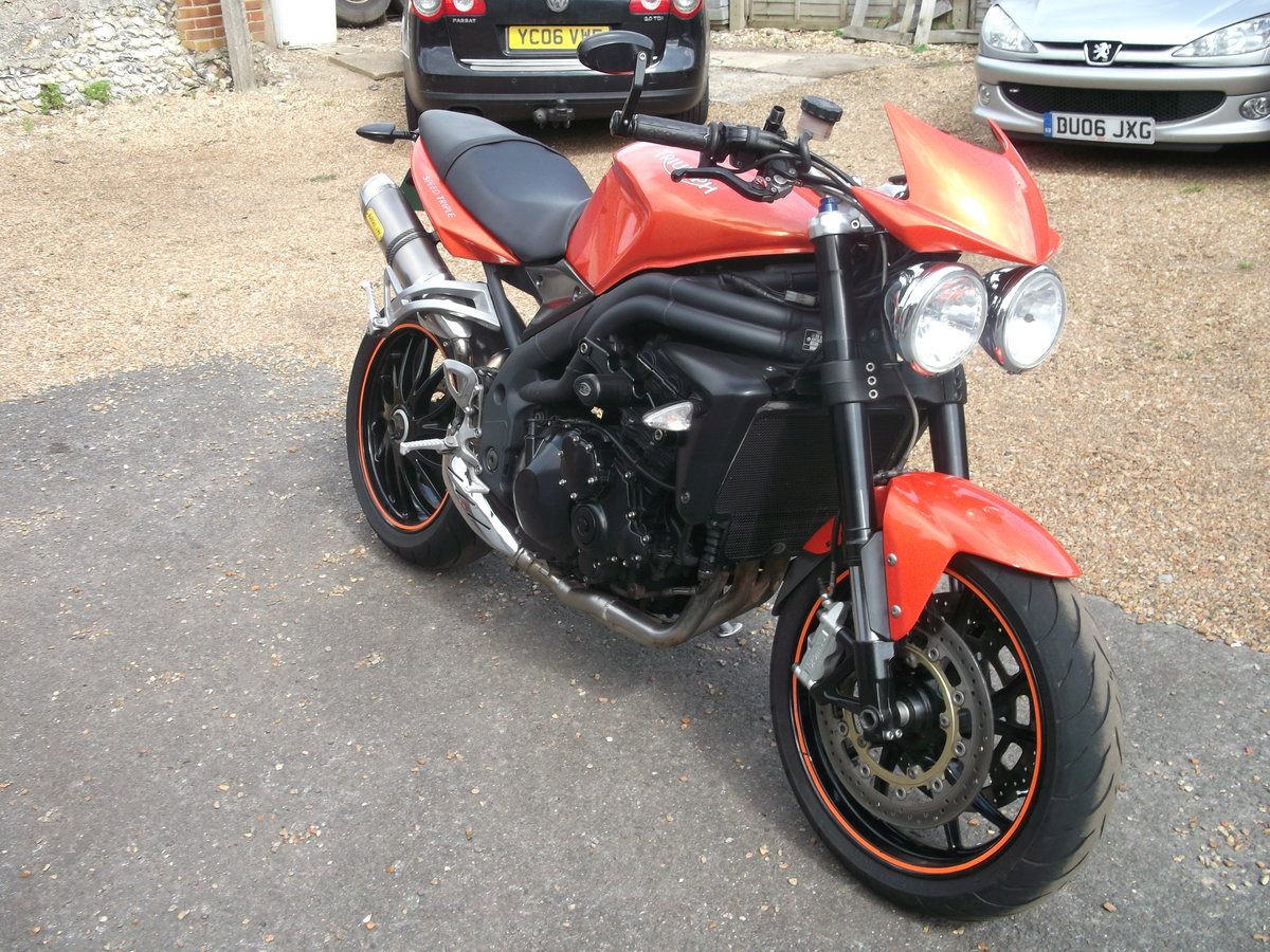 2010 Triumph 1050 Speed Triple For Sale (picture 2 of 6)