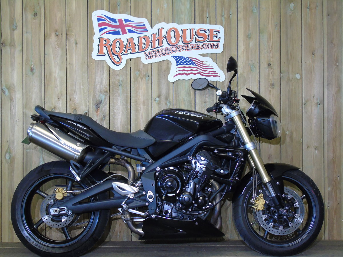 Triumph Street Triple 2013 Only 8000 Miles From New For Sale (picture 1 of 6)
