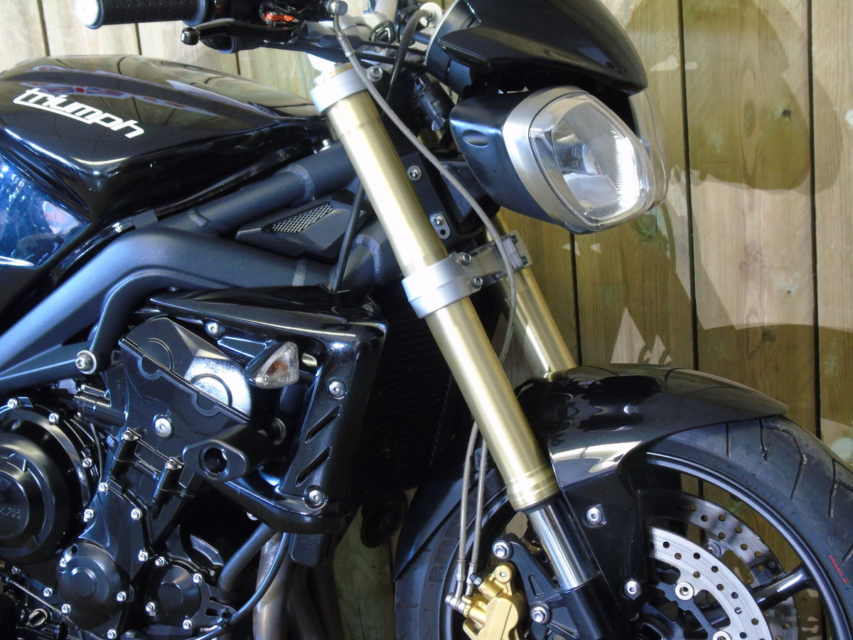 Triumph Street Triple 2013 Only 8000 Miles From New For Sale (picture 4 of 6)