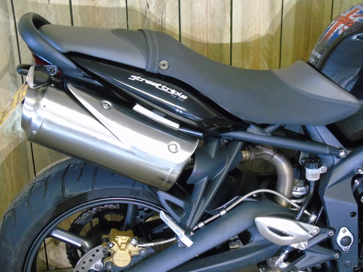 Triumph Street Triple 2013 Only 8000 Miles From New For Sale (picture 5 of 6)