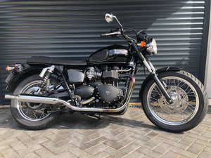 2007 Triumph T100 Very Low Mileage in VGC For Sale