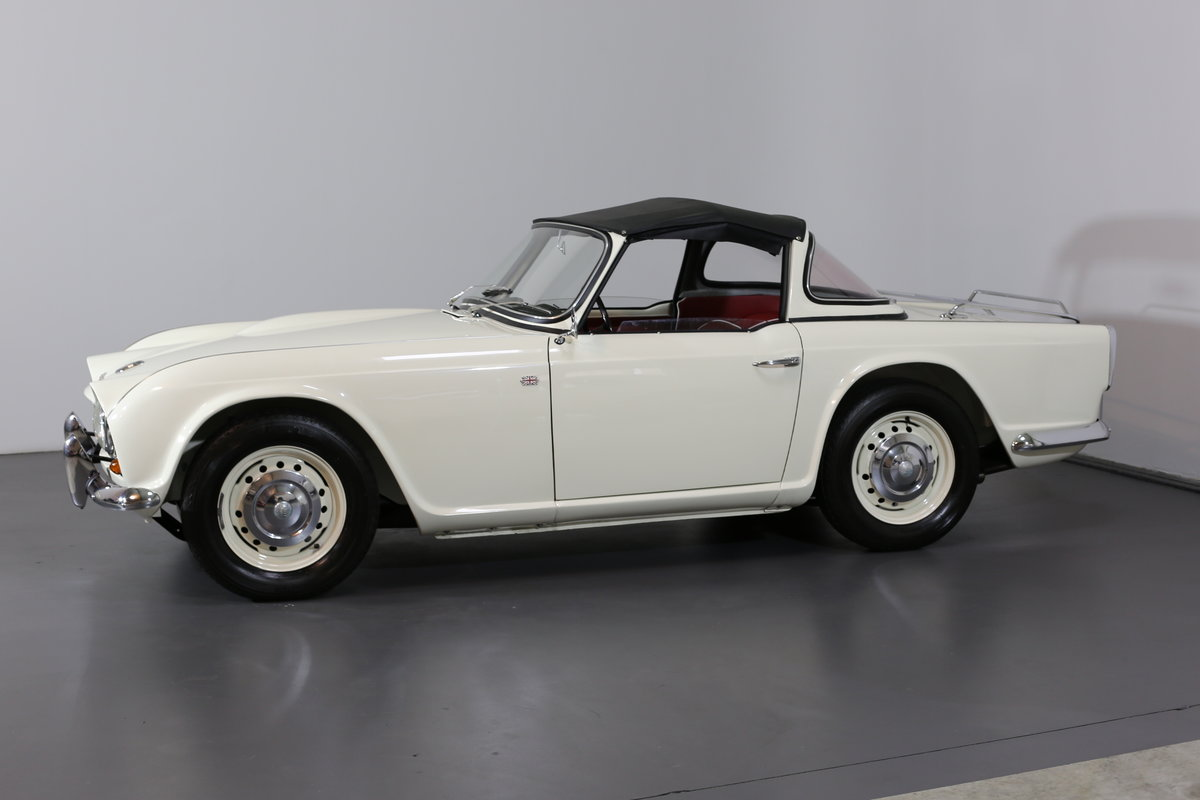 1963 An uncompromising frame off TR4 restoration with Surrey Top SOLD (picture 5 of 6)