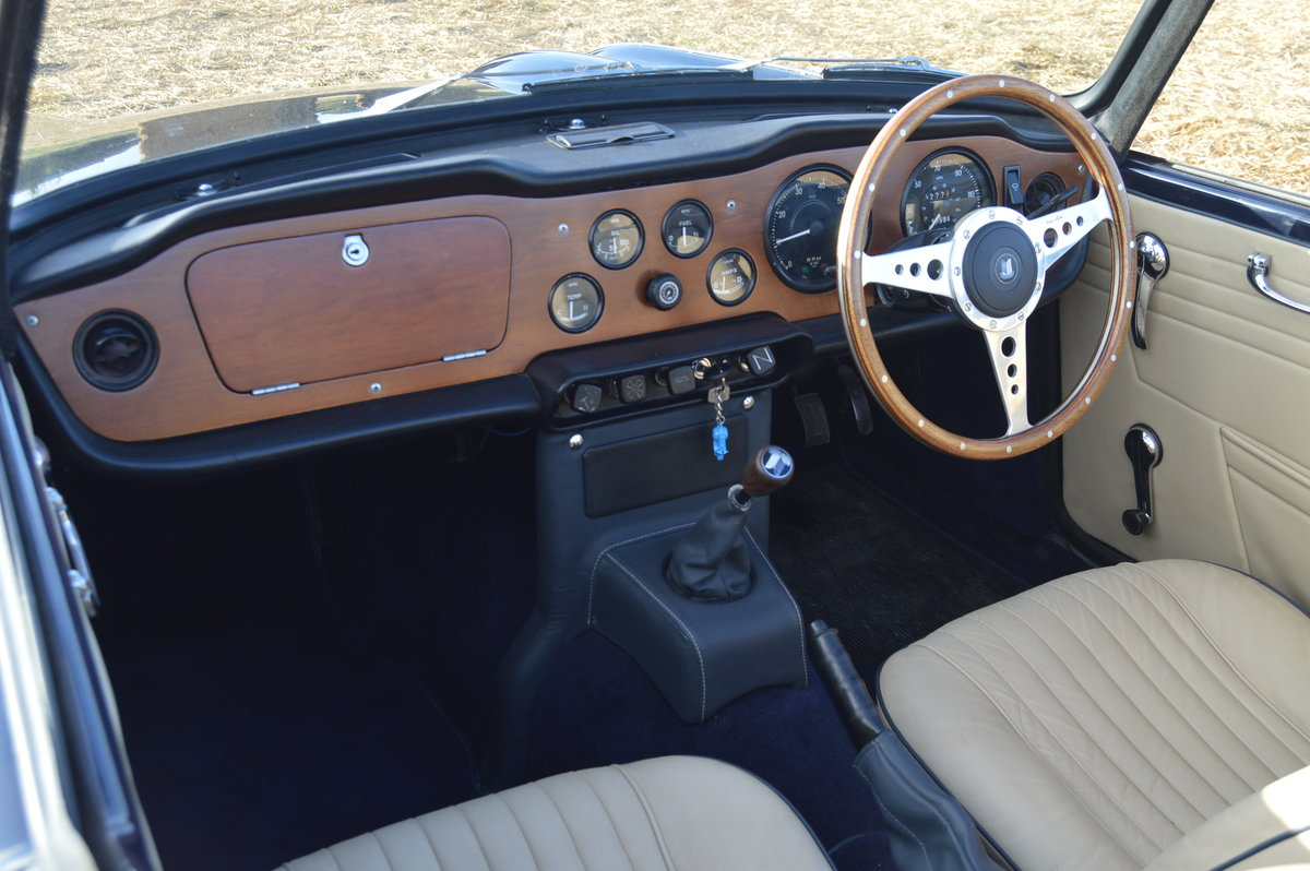 1968 Triumph TR5 2.5L with Lucas Mechanical Fuel Injection For Sale (picture 2 of 6)
