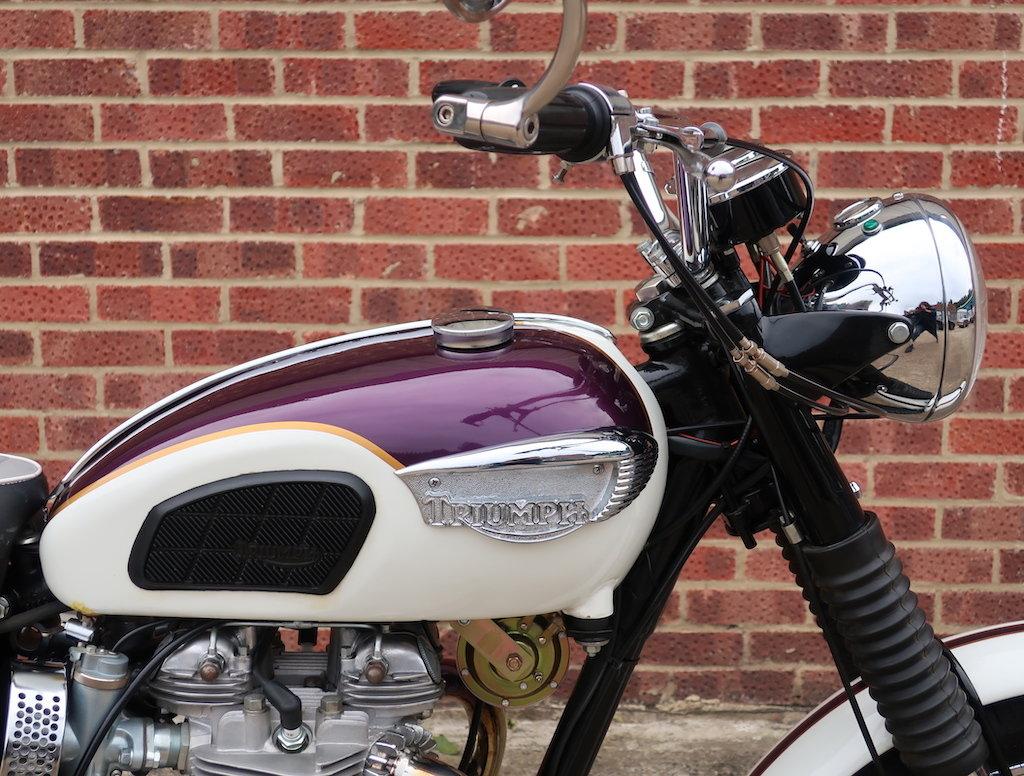 1967 Triumph T120R Bonneville For Sale (picture 2 of 6)