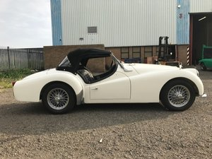 1960 Triumph TR3 - full nut and bolt restoration Stunni