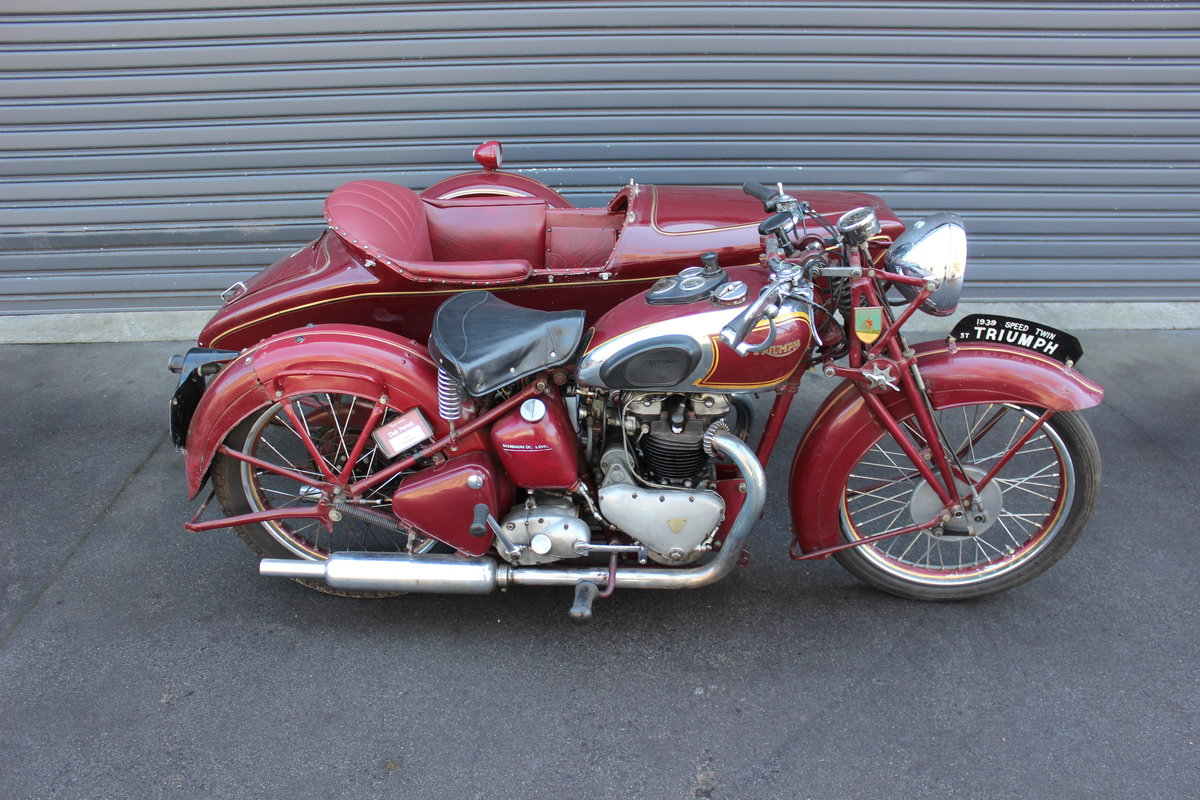1939 TRIUMPH SPEED TWIN 5T WITH DUSTING SIDECAR For Sale by Auction (picture 1 of 3)