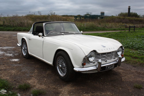 TRIUMPH TR4 1962. ORIGINAL UK CAR WITH OVERDRIVE AND SURREY  SOLD (picture 6 of 6)
