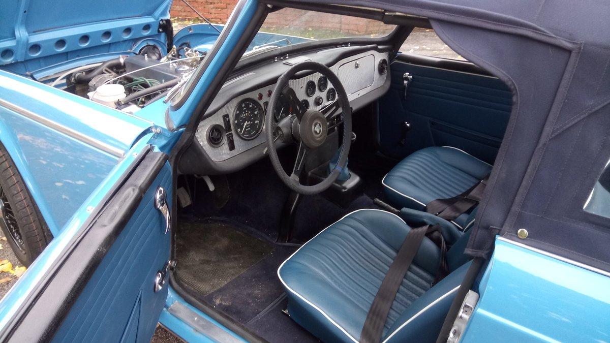 1968 Triumph TR 250 LHD blue. For Sale (picture 4 of 6)