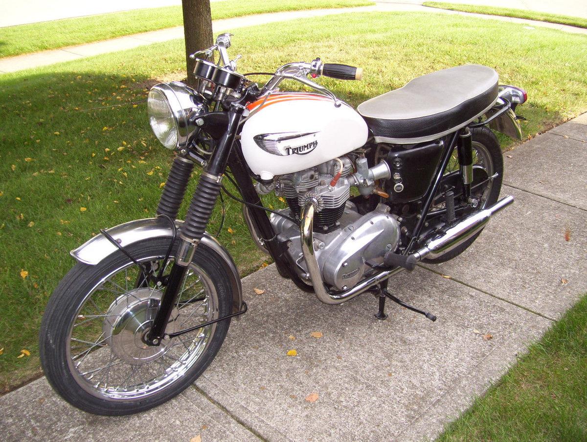 Triumph Bonneville T120R (1 owner 1966-2015) For Sale (picture 1 of 6)